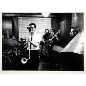 IN THE RECORDING STUDIO - CHLO.  GREG CURNOE, JOHN BOYLE, HUGH MCINTYRE, JOHN CLEMENT, MURRAY FAVRO, OCTOBER 1966
